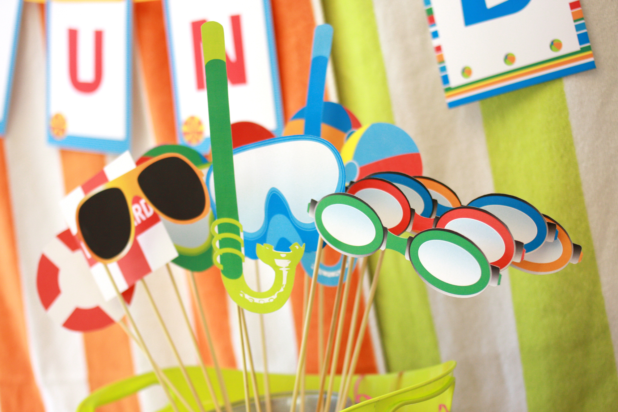 Sun bar summer party tablescapes paper and cake paper for Photo decoration