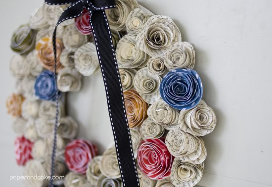 FREEBIE Friday from Paper & Cake Paper Flower Fall Wreath  side view
