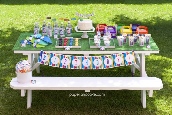 paper and cake my favorite white serving trays tablescape mini golf
