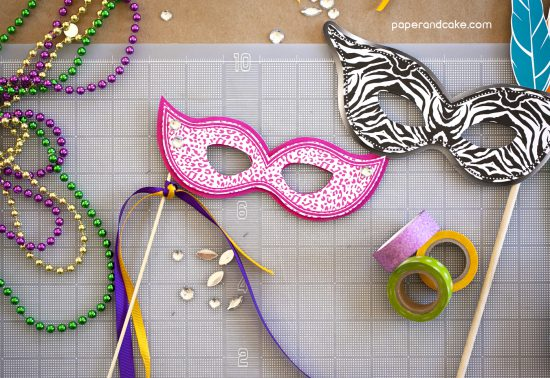 photo booth props for mardi gras